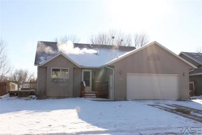 Sioux Falls, Harrisburg, Brandon, Tea, Worthington, Lennox, Canton, Hartford, Crooks, Renner, Humboldt Single Family Home For Sale: 4715 E 22nd St