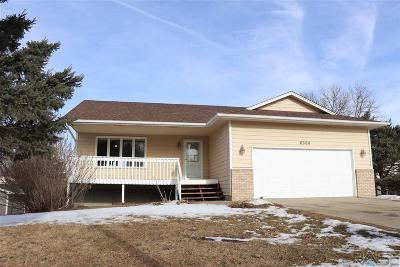 Sioux Falls, Harrisburg, Brandon, Tea, Worthington, Lennox, Canton, Hartford, Crooks, Renner, Humboldt Single Family Home For Sale: 6300 W 26th St