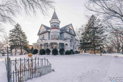 Sioux Falls, Harrisburg, Brandon, Tea, Worthington, Lennox, Canton, Hartford, Crooks, Renner, Humboldt Single Family Home Active-New: 103 S Summit Ave