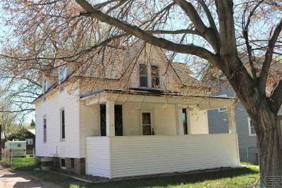 Canton Single Family Home Active - Contingent Home: 518 N Lincoln St