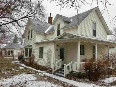 Centerville Single Family Home For Sale: 431 E Broadway St