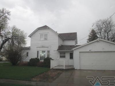 Sioux Falls, Harrisburg, Brandon, Tea, Worthington, Lennox, Canton, Hartford, Crooks, Renner, Humboldt Single Family Home For Sale: 201 E 3rd Ave