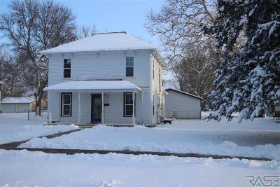 Beresford Single Family Home For Sale: 407 Hemlock St