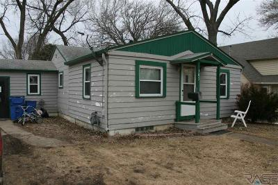 Beresford Single Family Home For Sale: 705 N 3rd St