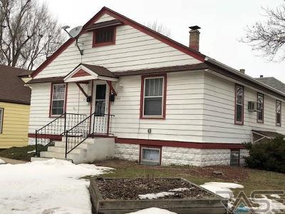 Sioux Falls, Harrisburg, Brandon, Tea, Worthington, Lennox, Canton, Hartford, Crooks, Renner, Humboldt Multi Family Home For Sale: 1420 E 9th St