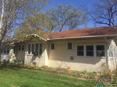 Centerville Single Family Home For Sale: 111 N Broadway St
