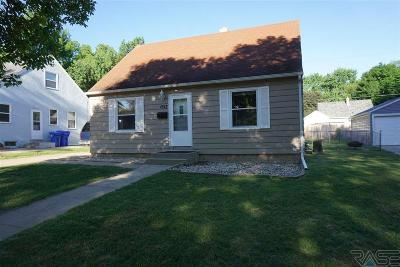 Sioux Falls, Harrisburg, Brandon, Tea, Worthington, Lennox, Canton, Hartford, Crooks, Renner, Humboldt Single Family Home For Sale: 1517 S Wayland Ave