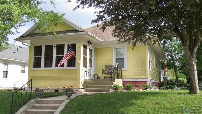 Sioux Falls, Harrisburg, Brandon, Tea, Worthington, Lennox, Canton, Hartford, Crooks, Renner, Humboldt Single Family Home For Sale: 925 W 15th St