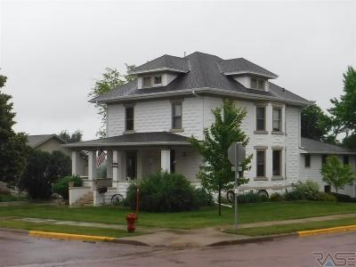 Canton Single Family Home Active - Contingent Home: 1103 E 3rd St