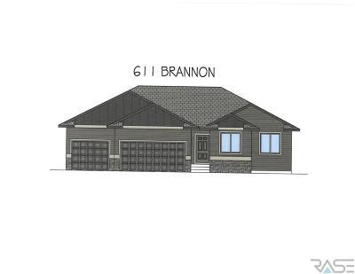 Harrisburg Single Family Home For Sale: 611 Brannon Dr