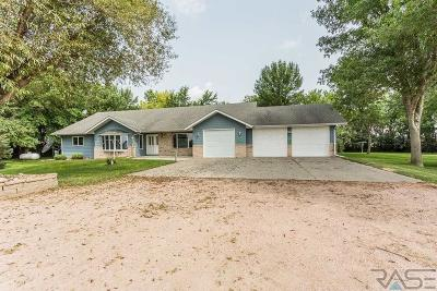 Dell Rapids Single Family Home For Sale: 24760 467th Ave