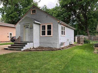 Sioux Falls, Harrisburg, Brandon, Tea, Worthington, Lennox, Canton, Hartford, Crooks, Renner, Humboldt Single Family Home For Sale: 618 S Lake Ave