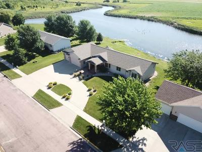 Canton SD Single Family Home Active - Contingent Home: $319,500
