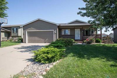 Harrisburg Single Family Home For Sale: 600 Lois Ln