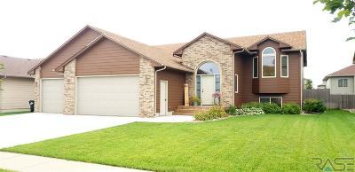 Sioux Falls, Harrisburg, Brandon, Tea, Worthington, Lennox, Canton, Hartford, Crooks, Renner, Humboldt Single Family Home For Sale: 4013 W 88th St