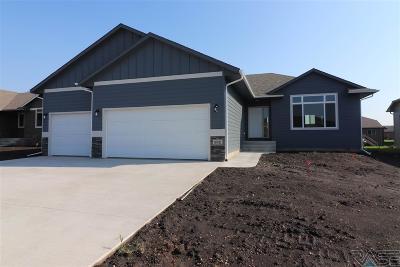 Sioux Falls, Harrisburg, Brandon, Tea, Worthington, Lennox, Canton, Hartford, Crooks, Renner, Humboldt Single Family Home For Sale: 602 Marie Dr