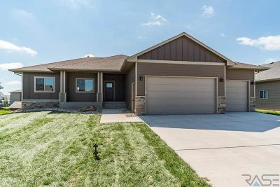 Sioux Falls, Harrisburg, Brandon, Tea, Worthington, Lennox, Canton, Hartford, Crooks, Renner, Humboldt Single Family Home For Sale: 4801 E 53rd St