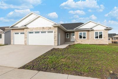 Harrisburg Single Family Home For Sale: 129 Liberty Cir