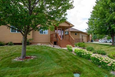 Sioux Falls, Harrisburg, Brandon, Tea, Worthington, Lennox, Canton, Hartford, Crooks, Renner, Humboldt Single Family Home Active-New: 2109 E Briar Den Ct