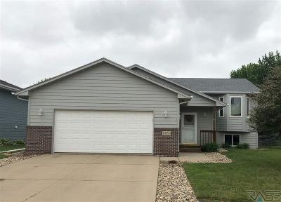 Sioux Falls, Harrisburg, Brandon, Tea, Worthington, Lennox, Canton, Hartford, Crooks, Renner, Humboldt Single Family Home Active-New: 5201 S Sarmar Ave