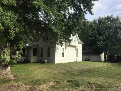 Madison Single Family Home For Sale: 621 W Center St