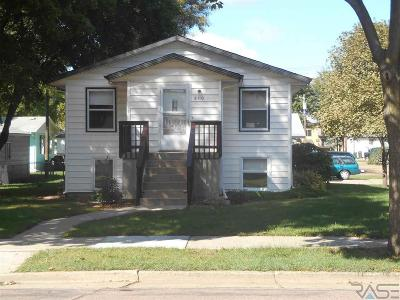 Single Family Home Active-New: 810 W Brookings St