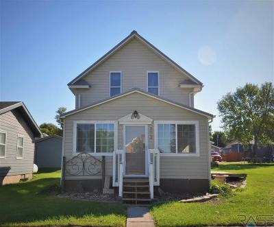 Garretson Single Family Home For Sale: 312 S Depot Ave