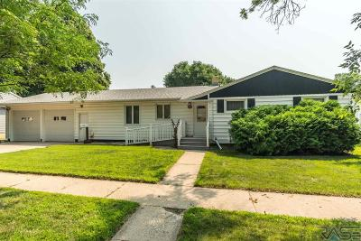 Dell Rapids Single Family Home Active - Contingent Misc: 808 Washington Ave