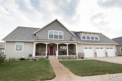 Sioux Falls Single Family Home For Sale: 9105 W Lakeside Dr