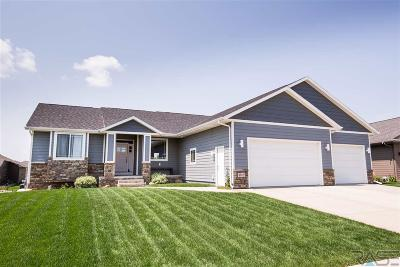 Sioux Falls Single Family Home For Sale: 6512 E Steamboat Trl
