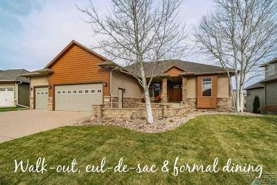 Sioux Falls Single Family Home For Sale: 2912 W Cinnamon Cir