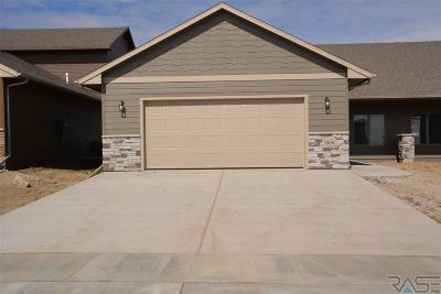 Sioux Falls Single Family Home For Sale: 3803 E 68th St