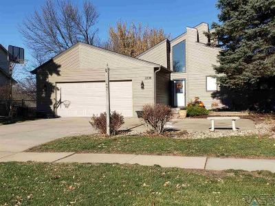 Sioux Falls SD Single Family Home For Sale: $278,900