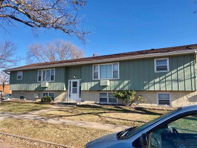 Sioux Falls Multi Family Home For Sale: 1216 N Summit Ave