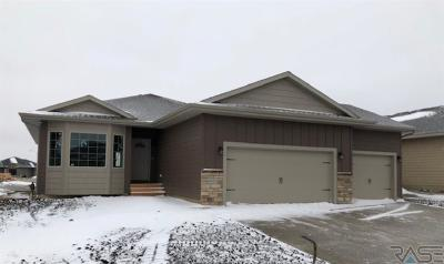 Sioux Falls SD Single Family Home For Sale: $329,900