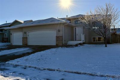 Sioux Falls, Harrisburg, Brandon, Tea, Worthington, Lennox, Canton, Hartford, Crooks, Renner, Humboldt Single Family Home For Sale: 7329 W 51st St