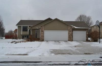 Sioux Falls, Harrisburg, Brandon, Tea, Worthington, Lennox, Canton, Hartford, Crooks, Renner, Humboldt Single Family Home For Sale: 4309 S Bond Ave