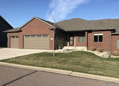 Sioux Falls Single Family Home For Sale: 5911 S Nature Run Pl