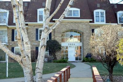 Sioux Falls Condo/Townhouse For Sale: 2904 W 33rd St #133