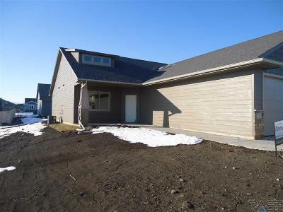Sioux Falls Single Family Home For Sale: 5501 S Chinook Ave