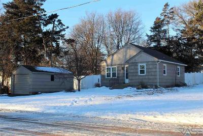 Dell Rapids Single Family Home Active - Contingent Misc: 709 N Dakota Ave