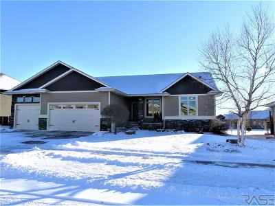 Sioux Falls Single Family Home For Sale: 2109 S Silverpine Ct