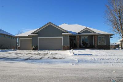 Sioux Falls Single Family Home Active - Contingent Home: 1425 W Waterstone Dr