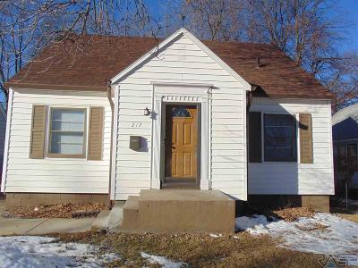 Sioux Falls Single Family Home For Sale: 217 N Wayland Ave