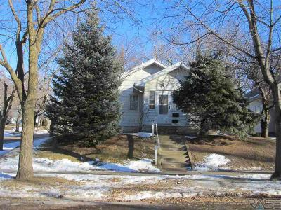 Sioux Falls Single Family Home For Sale: 726 N Menlo Ave