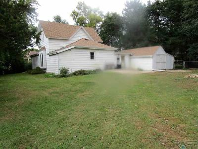 Hartford Single Family Home For Sale: 304 N Western Ave
