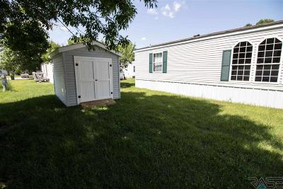 Sioux Falls Single Family Home For Sale: 513 N Starlite Pl