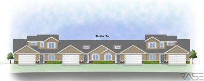 Sioux Falls Condo/Townhouse For Sale: 5703 S Plainside Pl
