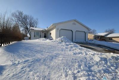 Sioux Falls Multi Family Home Active - Contingent Misc: 3909 3911 S Terry Ave