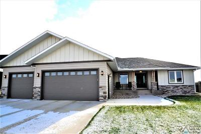 Sioux Falls Single Family Home For Sale: 6801 E Dugout Ln
